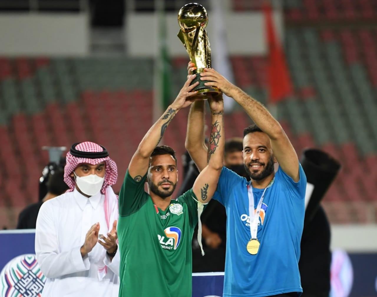 الرجاء الرياضي بطل العرب
