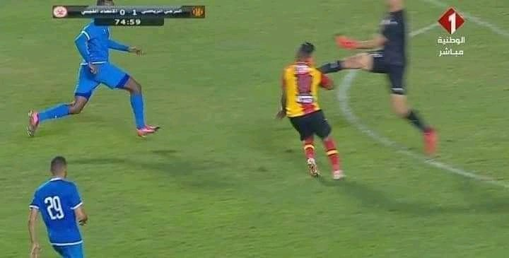 إصابة حمدو الهوني الخطيرة في مباراة الترجي والإتحاد الليبي, حمدو الهوني, اللاعب الليبي, الهوني, الترجي, hamdou elhouni